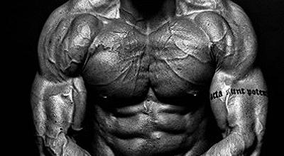 """Brusttraining – mit dem """"falschen"""" Weg massive Brustmuskeln aufbauen"""