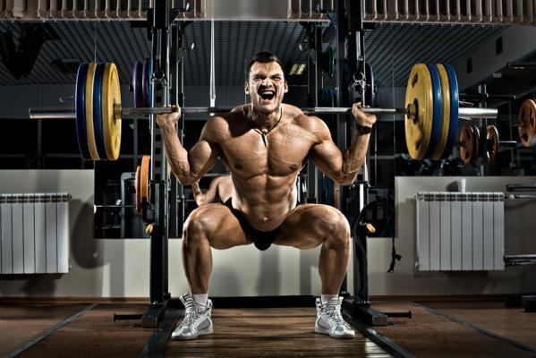 Kniebeugen - die Hardcore Bodybuilding Übung für massive Beinmuskeln