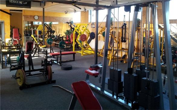 Fitnessstudio Powerhouse Gym Wedel - so müsste ein optimales Homegym aussehen